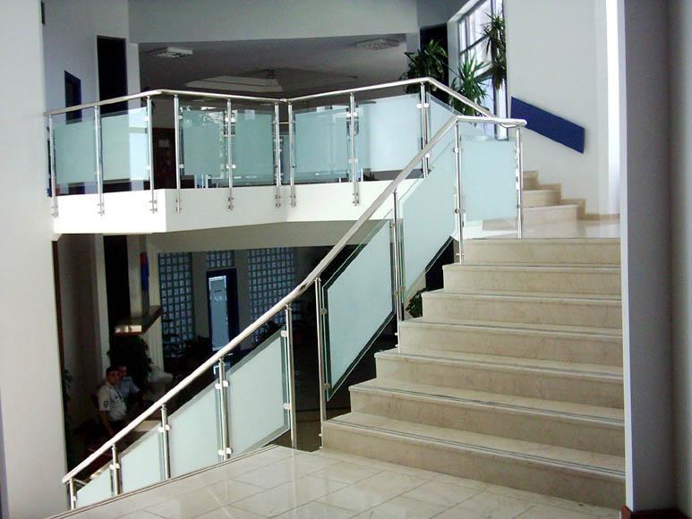 Merdiven Küpeştesi
